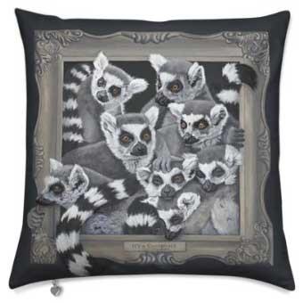 Lemur-cushion